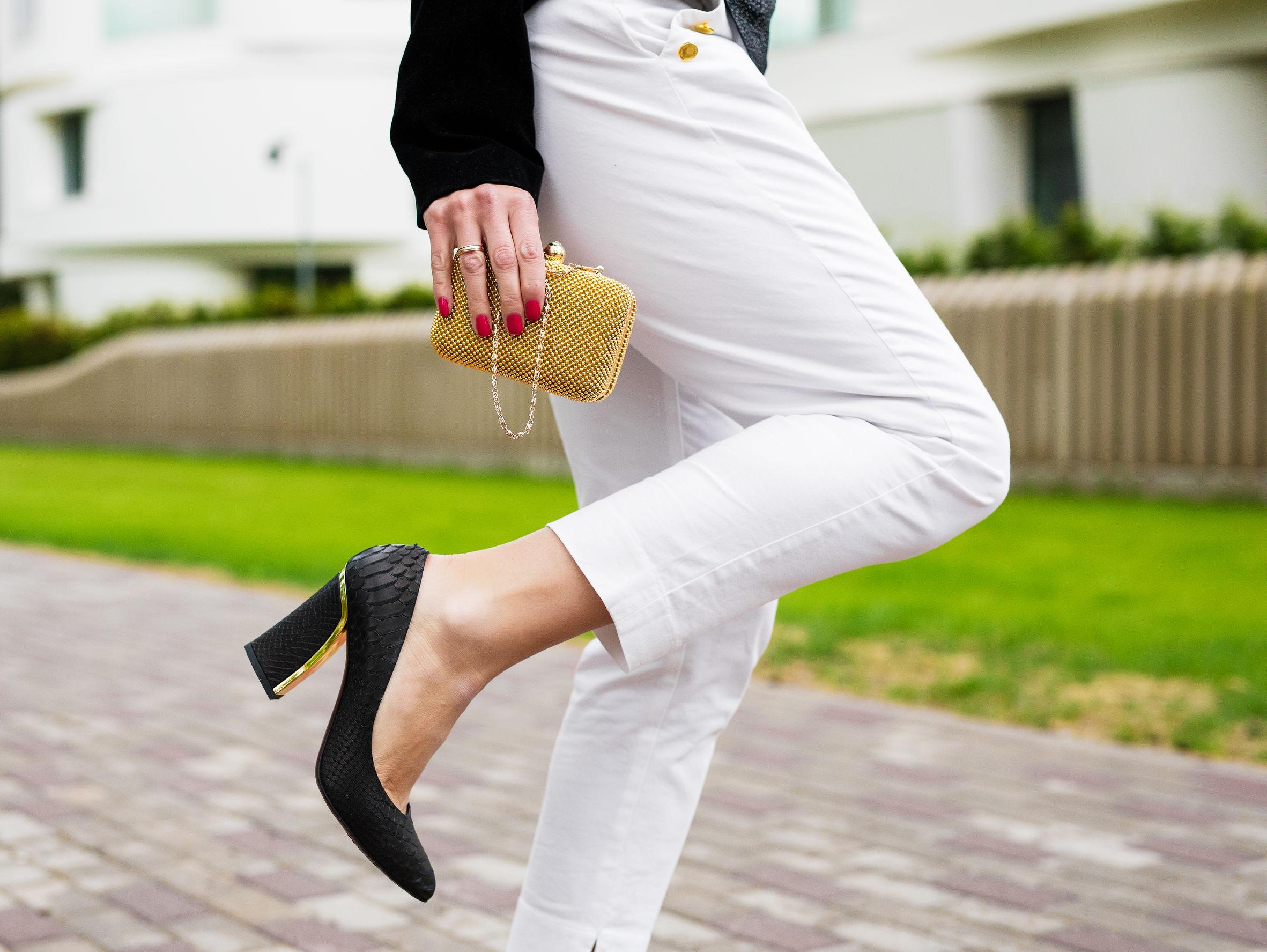 Spodnie 7/8 zgumką – czynaprawdę skracają nogi?