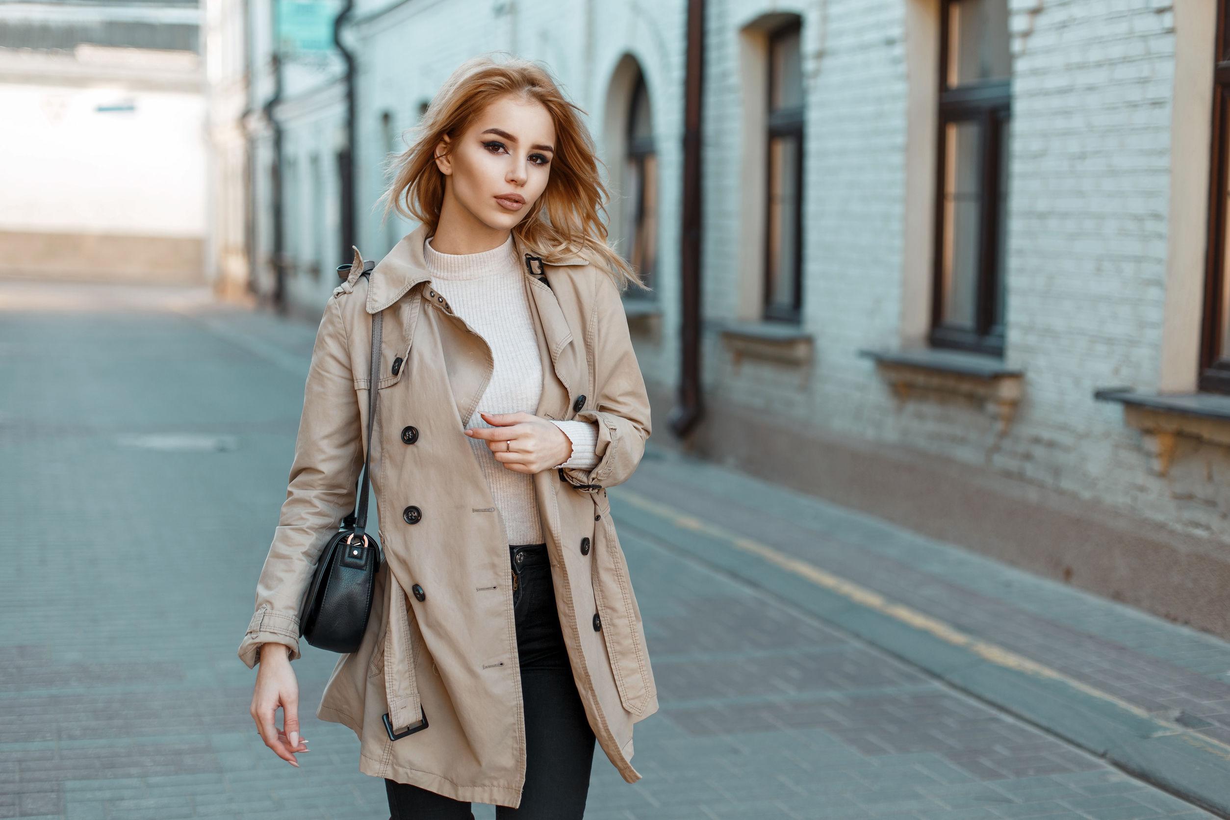 Wiosenne stylizacje damskie – jak modnie ubrać się wiosną?