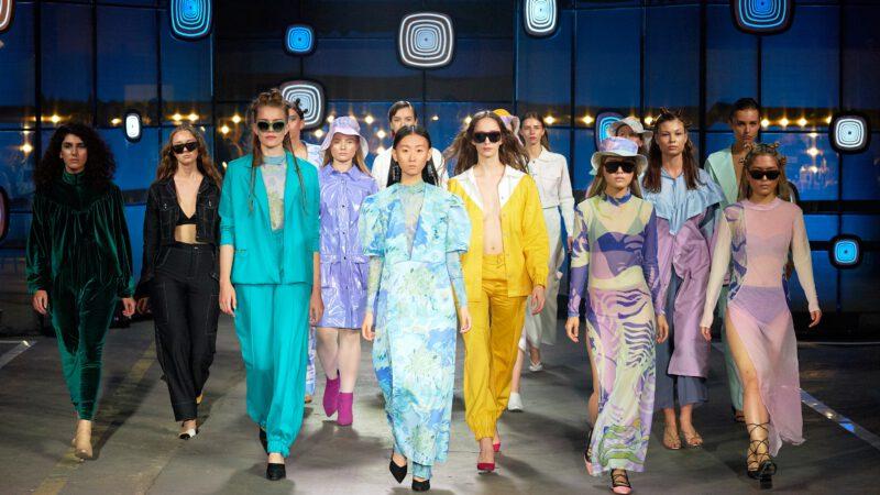 Milan Fashion Week 2021 – jakie stylizacje ubarwiły wybieg wtym roku?